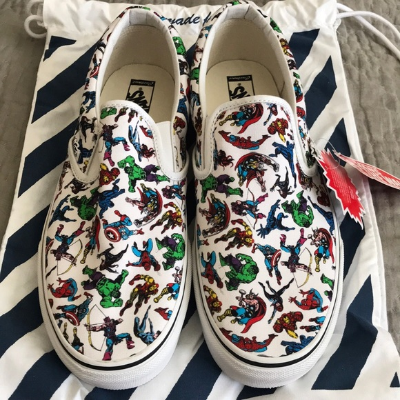 ea700e6a08 Brand new Authentic VANS CUSTOM MARVEL. M 5b7dbdc6d365bed1ee2212c4